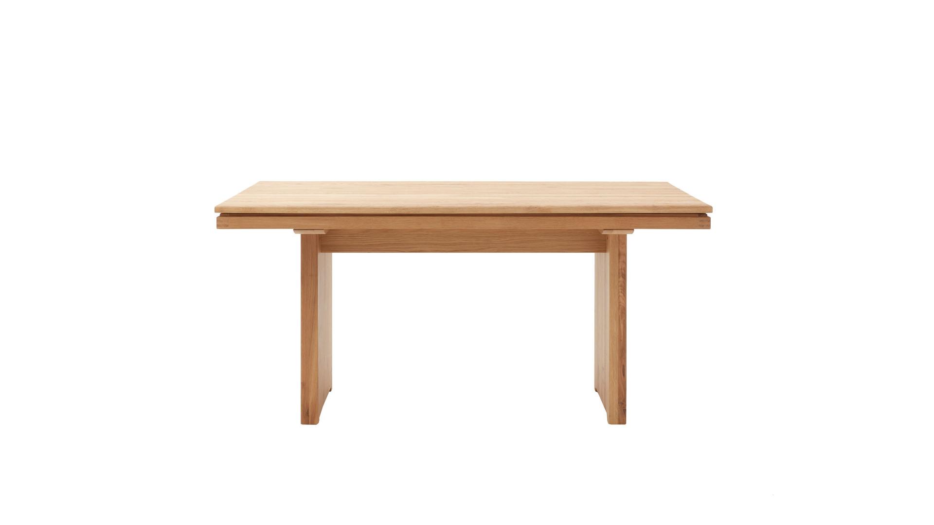 Massivholztisch als Esszimmermöbel