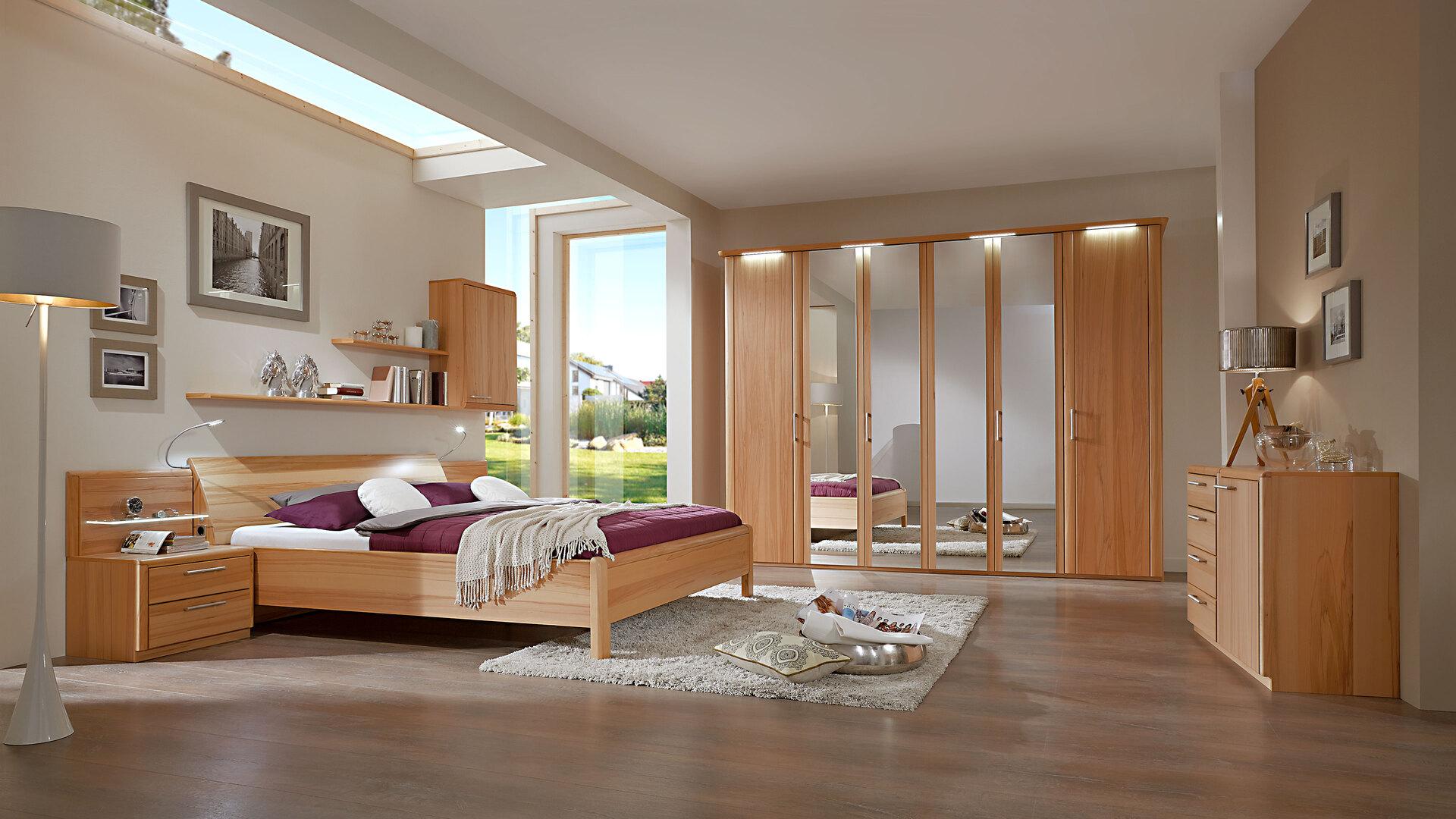 Modernes C. DISSELKAMP Schlafzimmer mit Bettgestell